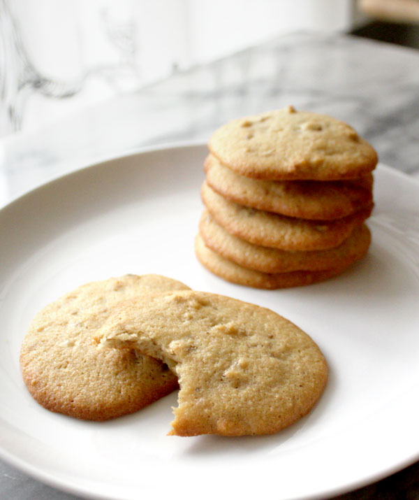 honey-walnut-cookies